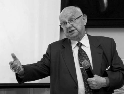 prof. dr hab. inż. Janusz Śledziński